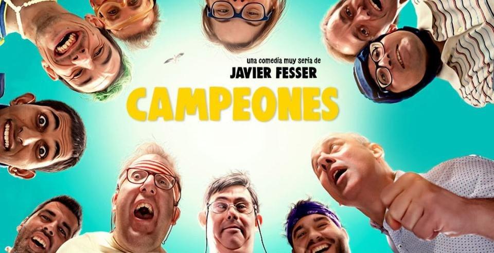 Poster oficial de la película. Se pueden ver a todo el equipo mientras su entrenador los motiva/ Campeones