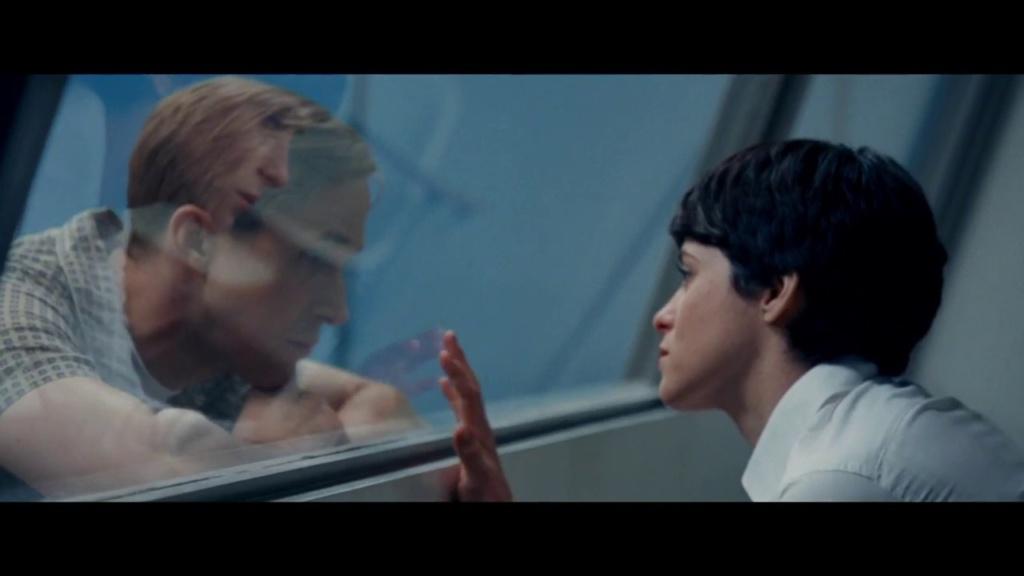 Janet Shearon (Claire Foy) intenta mantener las cosas en orden mientras su esposo sueña con la luna