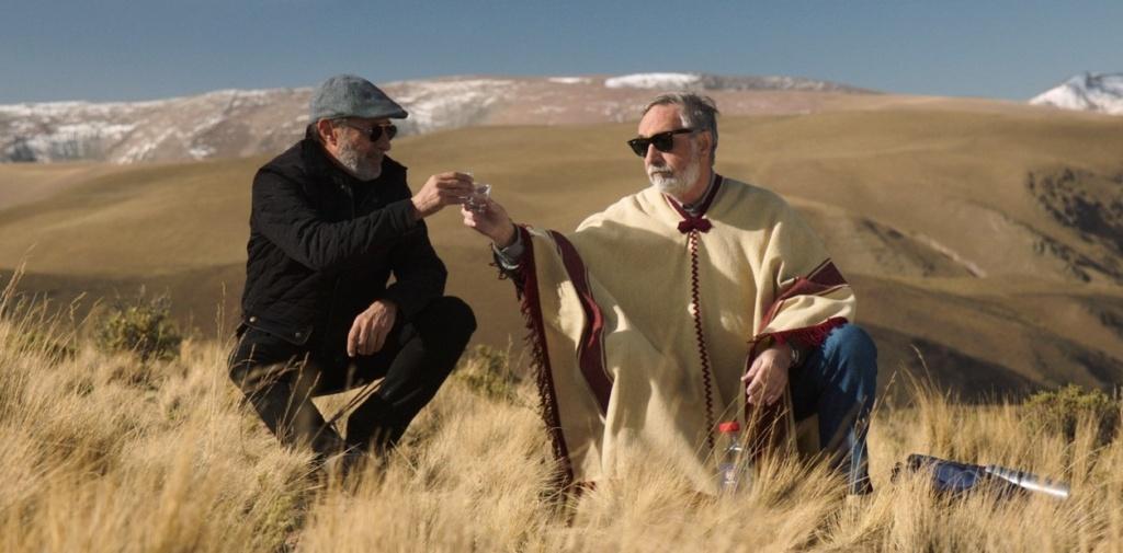 Arturo (Guillermo Francella) y Renzo (Luis Brandoni) en el norte, para Mi Obra Maestra.
