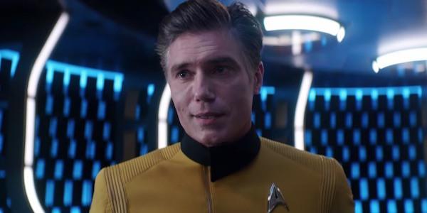 Anson Mount interpretando su persona en Star Trek