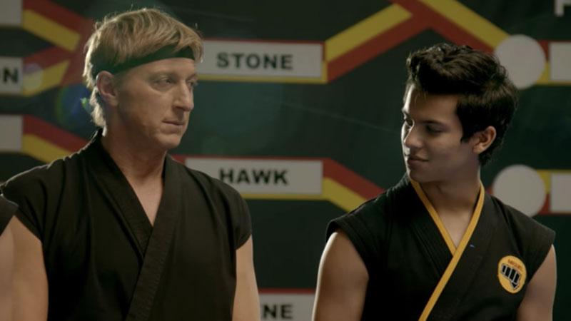 Dos karate viendose en un torneo
