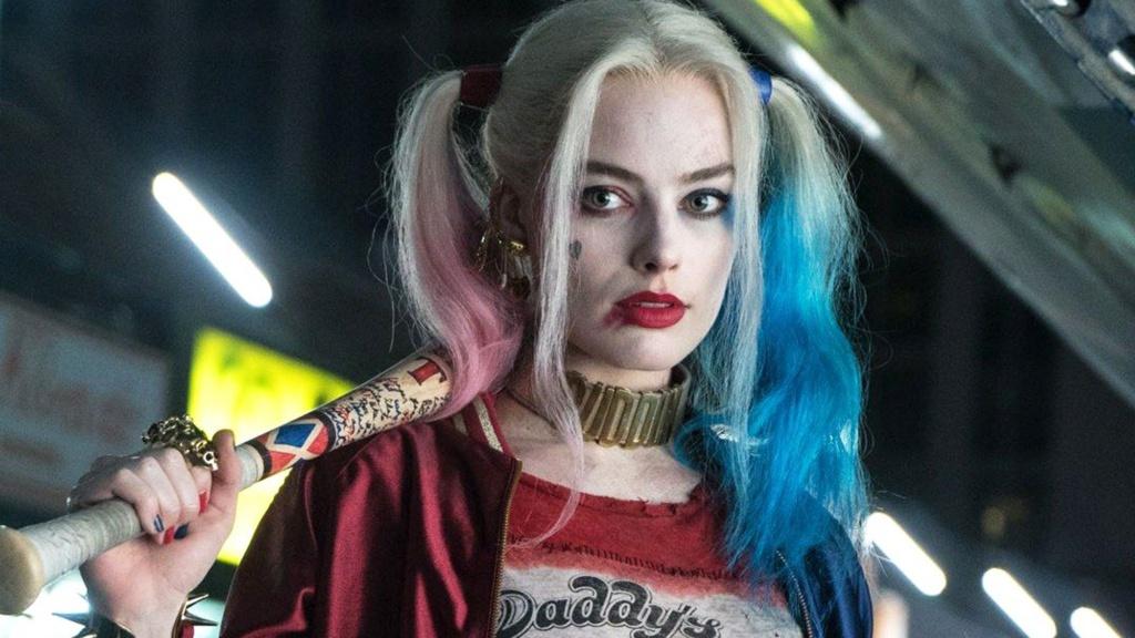 Margot Robbie como Harley Quinn, confirmada desde el principio.