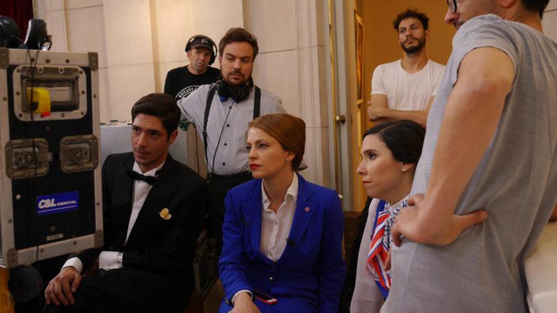 Cast y crew de 'Claudia'. Entre ellos: Julián Kartun (abajo izquierda), Dolores Fonzi (centro abajo) y Laura Paredes (abajo derecha).